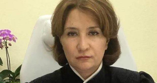 У судьи Елены Хахалевой такая «крыша», что ей даже Лебедев не указ