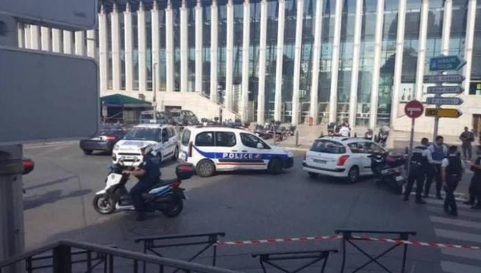 Резня в Марселе: Франция вводит элементы чрезвычайного положения на постоянной основе