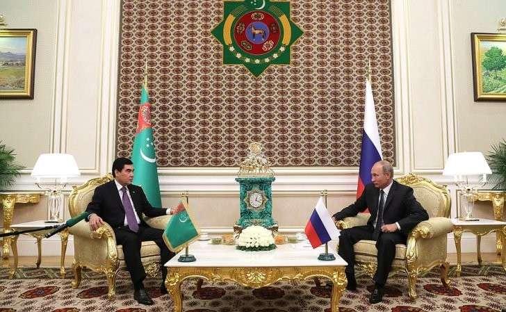 СПрезидентом Туркменистана Гурбангулы Бердымухамедовым.