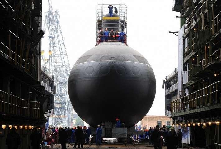 Подводная лодка «Старый Оскол» спущена на воду
