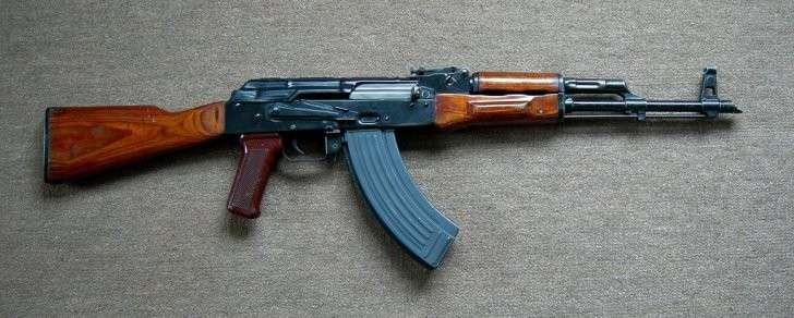 Американцы испытали непрерывной стрельбой калашников и свою автоматическую винтовку