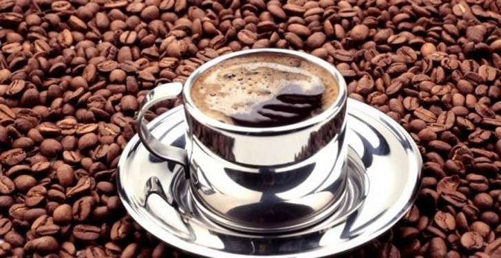 Вред Кофе: ваш желудок принимает первый удар, а сердце – второй