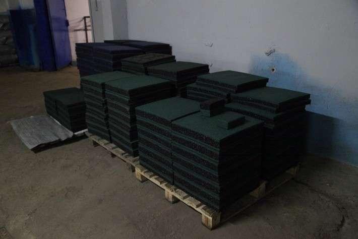 Резиновая плитка предназначенная для дальнейшей обработки