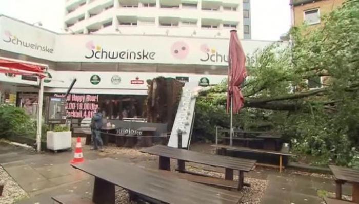 Шторм «Ксавье» обрушился на Германию, в Берлине объявлено чрезвычайное положение