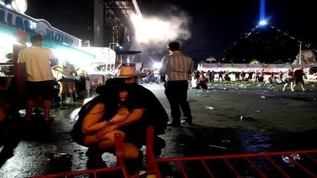 Бойня в Лас-Вегасе: бегущих зрителей фестиваля добивали с земли