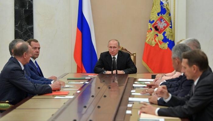 Владимир Путин в свой день рождения проведет совещание Совбеза России