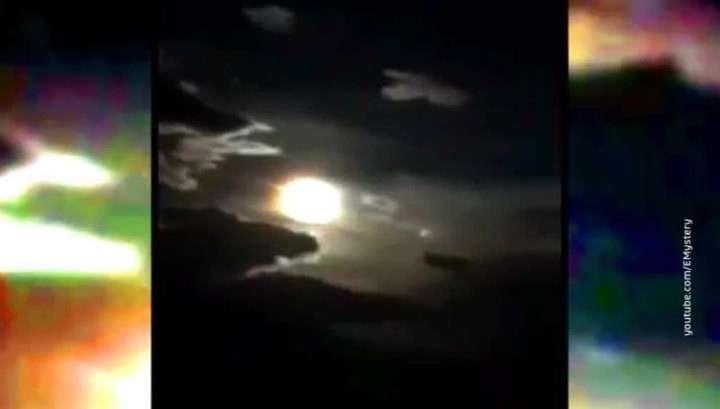 Китай: гигантский метеор взорвался над поднебесной