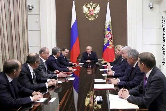 Владимир Путин провел совещание Совета безопасности в День Рождения