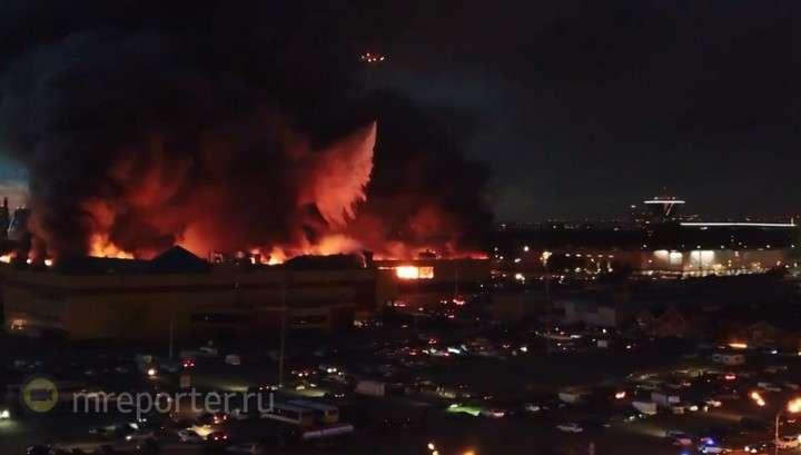 Пожар и взрывы на МКАДе: площадь очага достигла 55 тысяч квадратных метров