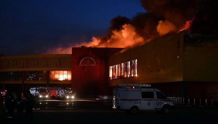 Москва: ТЦ «Синдика» выгорел. Ущерб на миллиарды рублей