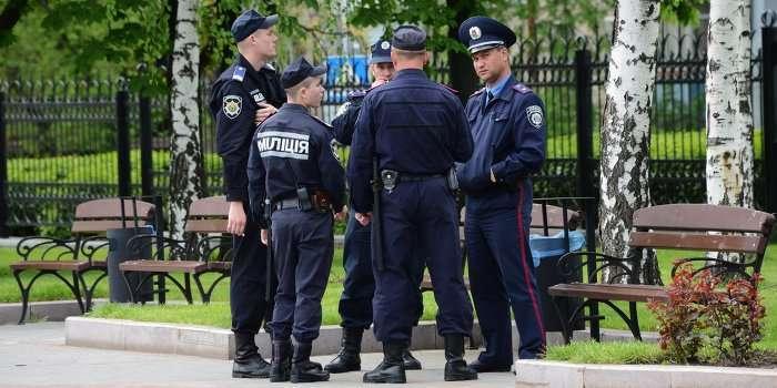 Киевских милиционеров отправляют на фронт под угрозой увольнения