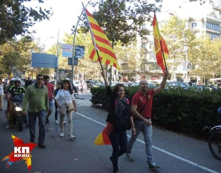 Митинг в Барселоне в поддержку единой Испании Фото: Дарья АСЛАМОВА