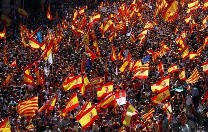 По меньшей мере, около миллиона человек собрались в центре города Фото: REUTERS