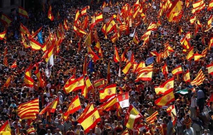 Митинг в Барселоне за единство Испании: если мы разделимся, это будет незаживающая рана