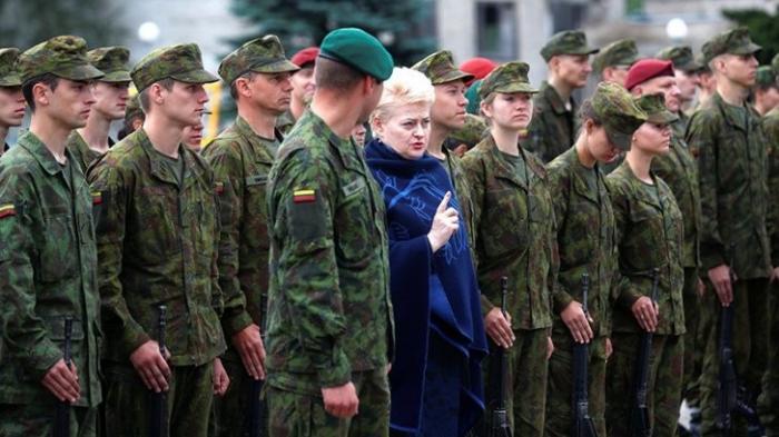 Литва отрепетирует антироссийский госпереворот с помощью послов и войск США