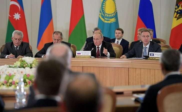 Назаседании Совета глав государств СНГ врасширенном составе.