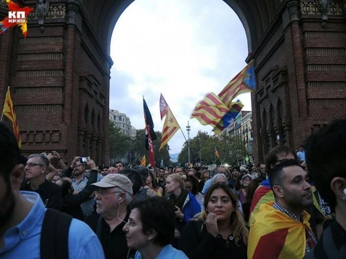 Каталонцы разошлись по домам: «Мы теперь чуть-чуть независимы. Но готовы подождать»