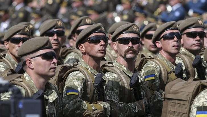 Украина приготовилась к войне, а главком Порошенко сам себя отстранил от командования