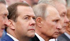 Чистка кадров: элиты уже делят «шкуру» неубитого премьер-министра (Медведя)