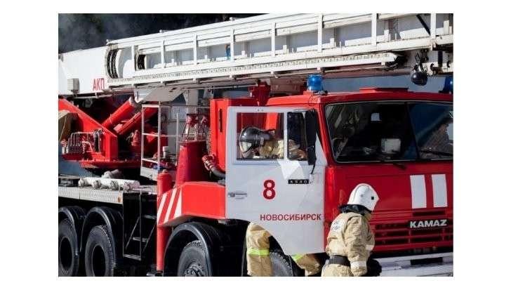 Чехов: при пожаре в торговом центре обрушилась кровля