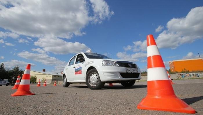 Новые правила получения водительских прав вступили в силу
