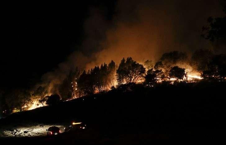 Калифорния: число жертв пожаров достигло рекордных 40 человек