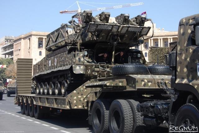 Армения и Азербайджан: на что потратят новый российский военный кредит?