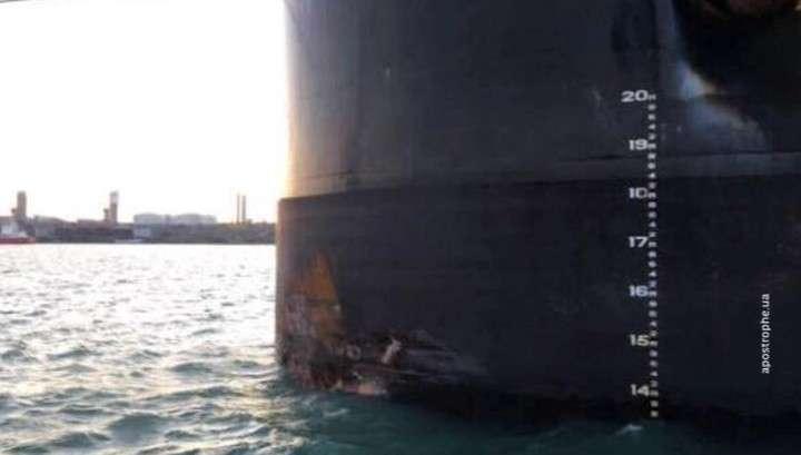 В Одессе грузовое судно с углем из США разрушило причал