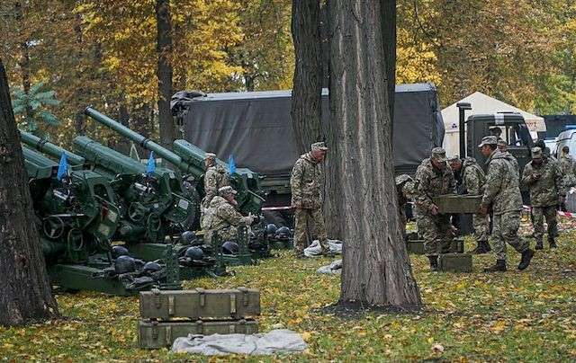 Артиллерия в центре Киева: чья-то глупость или новые технологии майдана?