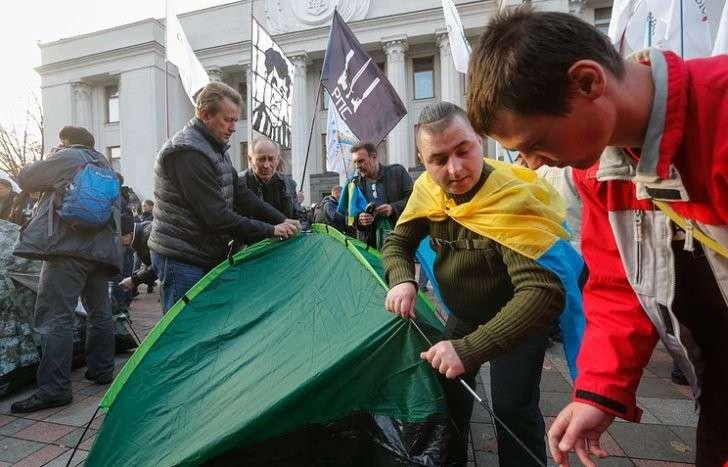 Генпрокуратура Украины: хунта не будет сносить палатки протестующих в Киеве