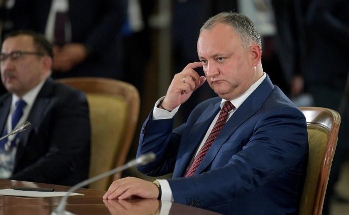 Молдавия: Игорь Додон призвал расширить президентские полномочия, против Плахотнюка