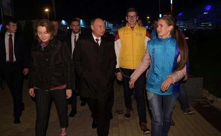 Владимир Владимир Путин провел неожиданную вечернюю встречу с участниками ВФМС