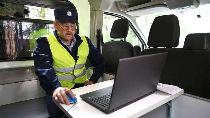 Новый регламент ГИБДД: что можно водителю и чего нельзя делать сотруднику