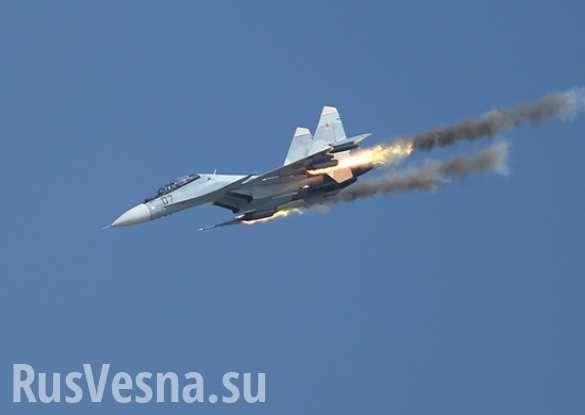 Су-30СМ точным попаданием утопил военный корабль | Русская весна