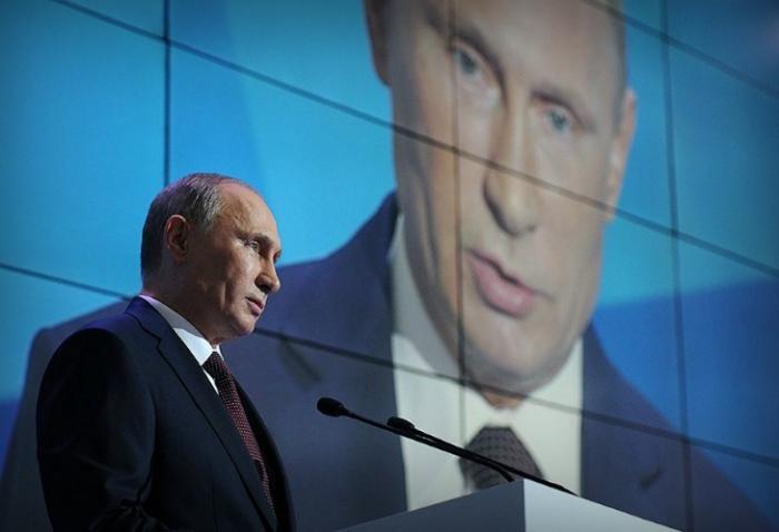 Владимир Путин меняет вектор риторики с «Западом»