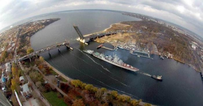 Больше не проблема Крыма: реку Днепр перекрыли и «убили»