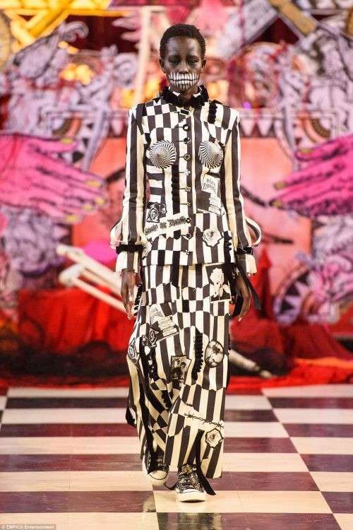 Черная Месса в мире моды – истинное лицо Запада, да и место проведения очень символичное