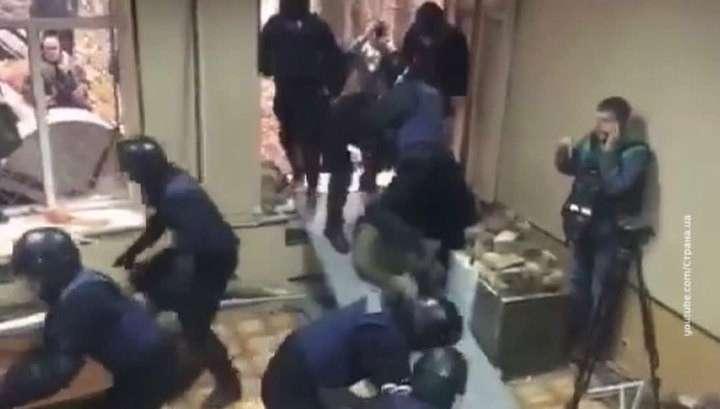 В Киеве полиция задержала около 30 радикально настроенных националистов