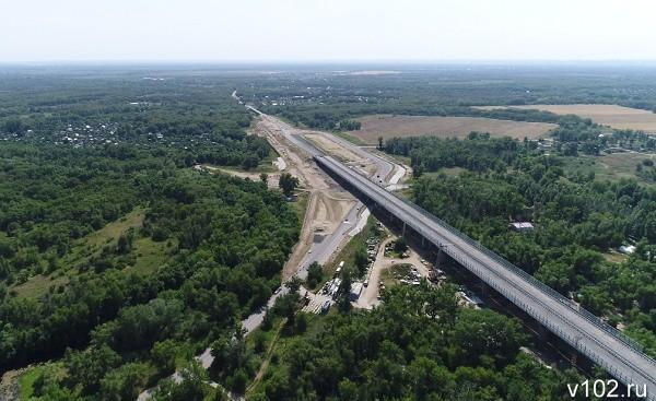Волгоград сверху: строительство нового моста через реку Ахтубу