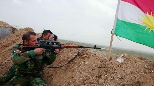 Солдаты армии Курдистана на позиции