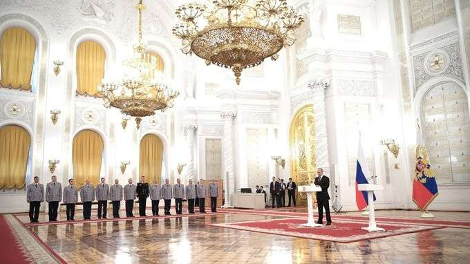 Церемония представления офицеров, назначенных навысшие командные должности