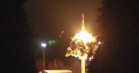 Россия осуществила массовый пуск межконтинентальных баллистических ракет