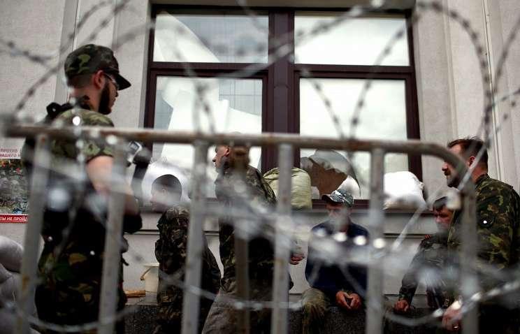 Штаб ДНР: более 100 украинских военных сдались армии Новороссии в районе Старобешево
