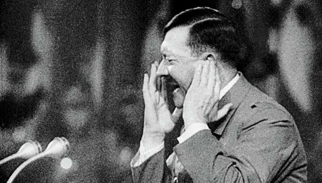 Гитлер выжил и бежал в Южную Америку – показали рассекреченные документы ЦРУ