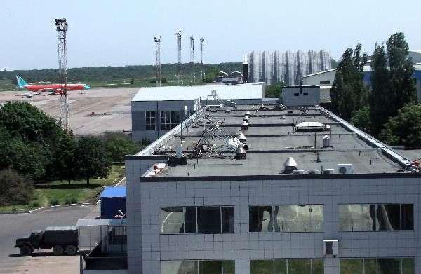 ДНР: аэропорт Донецка окружен силами ополчения, но удерживается украинскими силовиками