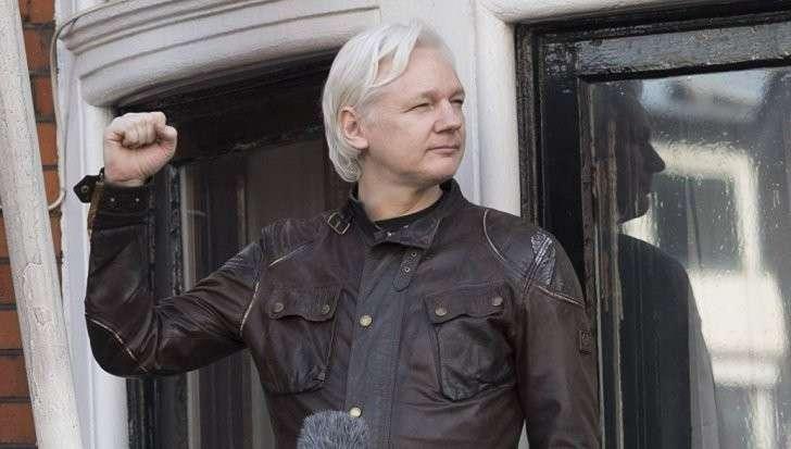 Джулиан Ассанж рассказал, откуда Викиликс получила данные о педофилах Клинтон