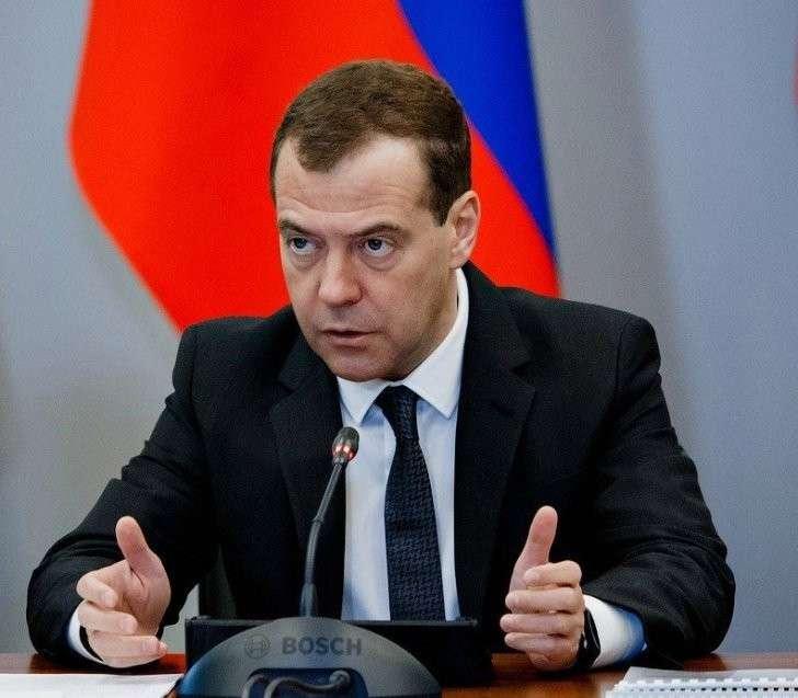 Дмитрий Медведев отвечает на вопросы китайских интернет-пользователей. Прямая трансляция