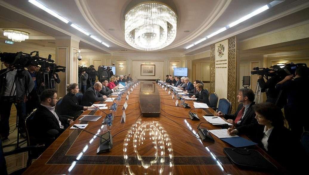 Совет федерации обсудил ответ на дискриминацию российских СМИ в США