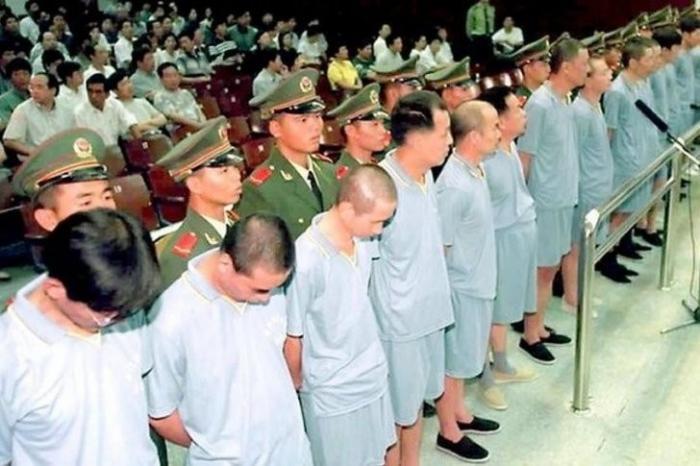 Как Китай поступает с олигархами, ворами и коррупционерами, бежавшими на запад?