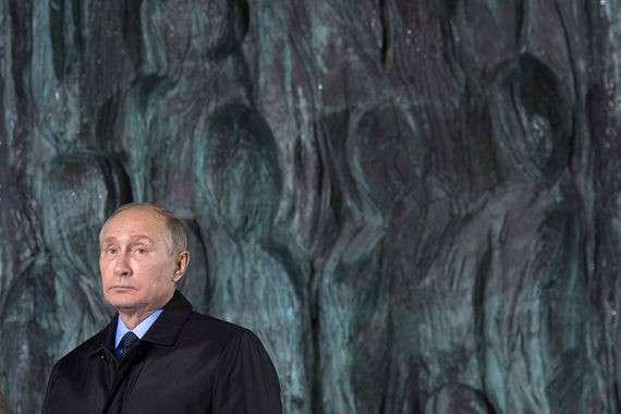 Зачем Владимир Путин участвовал в церемонии открытия «Стены скорби»?